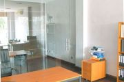 All-glass room dividing systems example no. 10
